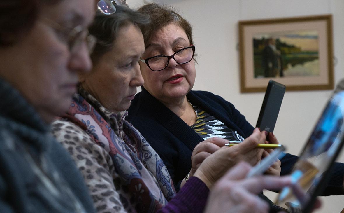 Число пользователей интернета среди россиян старше 16 лет в 2019 году выросло с 91 млн до 94,4 млн человек