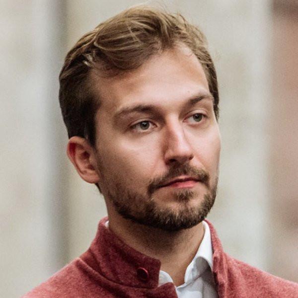 Директор по развитию цифровых платформ «РТ лабс» Алексей Трачук назначен гендиректором компании. До него этот пост занимал нынешний глава Минкомсвязи Максут Шадаев.